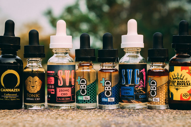 "<em>(<a href=""http://vaping360.com/cbd-oil-cannabidiol-hemp-oil"">Photo: vaping360.com/cbd-oil-cannabidiol-hemp-oil</a>).</em>"